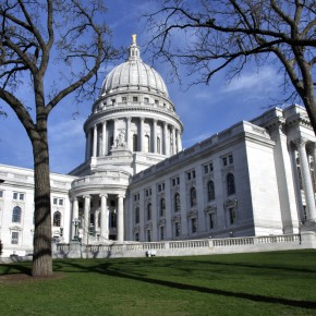 Judge Temporarily Blocks Abortion Law in Wisconsin