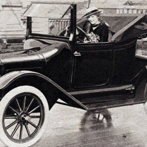 Today in Herstory: Maxwell Motor Company Makes Strides for Women