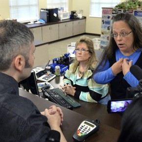 Kentucky Clerk Defies Supreme Court, Refuses to Issue Marriage Licenses
