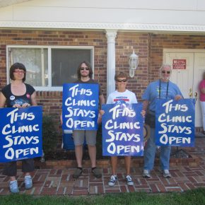 Anti-Abortion Extremists Descend on Kentucky's Last Clinic